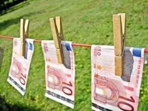Geld verdienen met het schrijven van een boek. Kan dat? geld verdienen boek schrijven